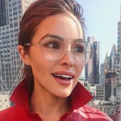 レアなオフショットも? 7人の女性セレブのメガネコレクション