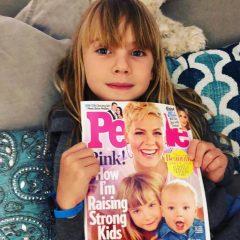 雑誌の表紙を飾った感想を聞かれたピンクの娘・ウィロウちゃんの返答が、子供らしくてキュート!