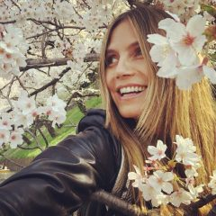 お花見シーズン真っ盛り! あのイケメン俳優からスーパーモデルまで、日本の美しい桜をエンジョイしていたセレブたち