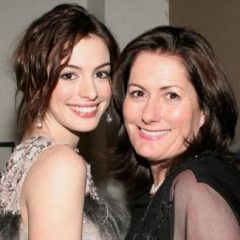 パーティーもランウェイも一緒! 母の日記念、セレブとママのツーショット