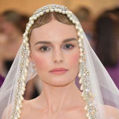 ドレス以上の存在感! 個性あふれる、メットガラのヘアアクセ&メイク