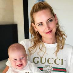 ファッションに年齢は関係ない? キアラ・フェラーニと息子レオネ君のペアルックがオシャレすぎる