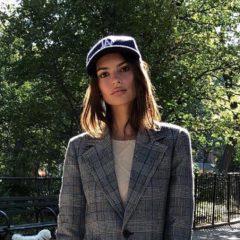エミリー・ラタコウスキにかかれば、トラッドなジャケットもこんなにキュートに!