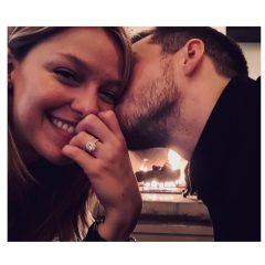 満面の笑みに大きなリング 『スーパーガール』メリッサ・ブノワが婚約!