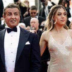 父親らしい一面が垣間見れた瞬間 屈強な男シルベスター・スタローンも、美人娘には勝てない?