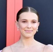 ネクストブレイク女優が集結 話題のドラマ『ストレンジャー・シングス 未知の世界』プレミアのレッドカーペットをプレイバック