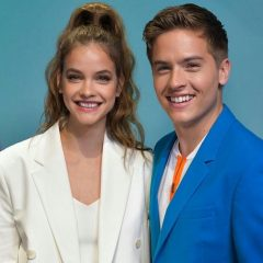 恋人とファッションショーに出席したディラン・スプラウス ツーショットの笑顔の理由が可愛すぎる