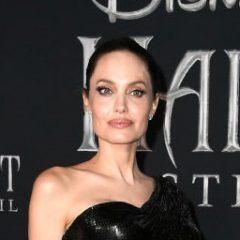 もうまもなく公開の『マレフィセント』最新作 ワールドプレミアに登場したメインキャストのドレス姿が美しすぎる